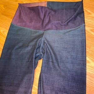 Niyamas ombré leggings. Medium
